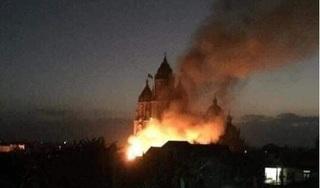 Nam Định: Cháy lớn trước cửa nhà thờ Liêu Ngạn