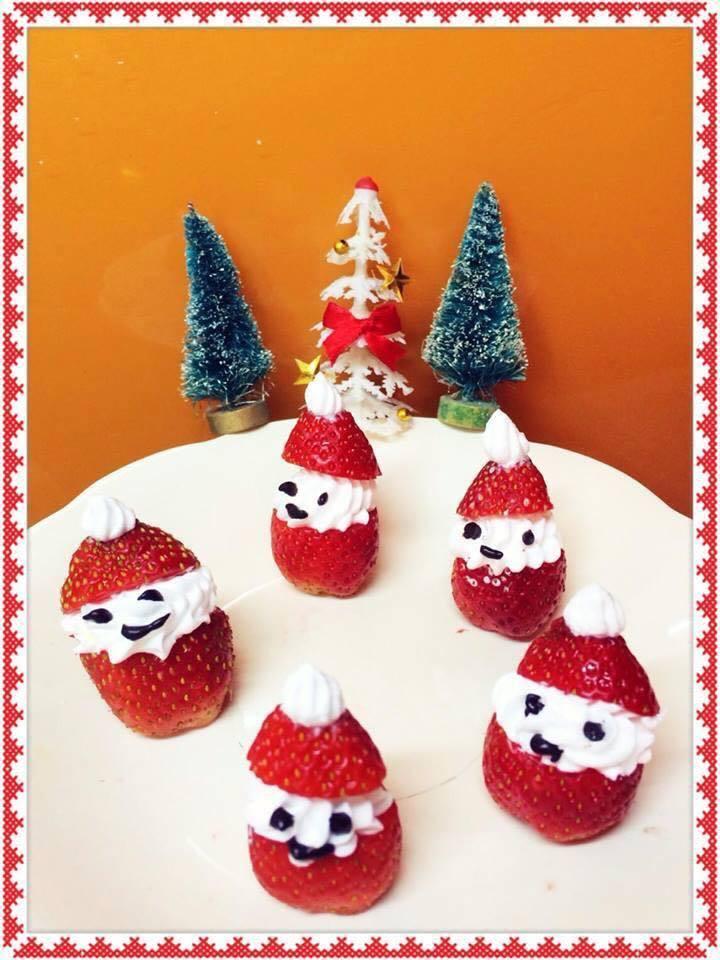 Mẹ khéo tay trang trí món ăn đầy màu sắc Giáng sinh khiến con thích mê11