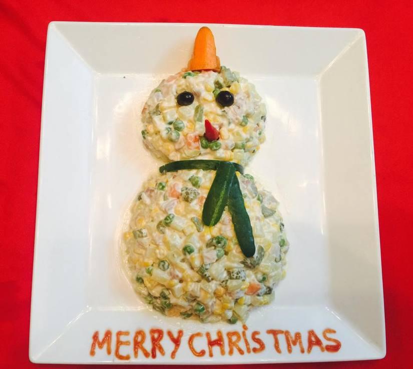 Mẹ khéo tay trang trí món ăn đầy màu sắc Giáng sinh khiến con thích mê16