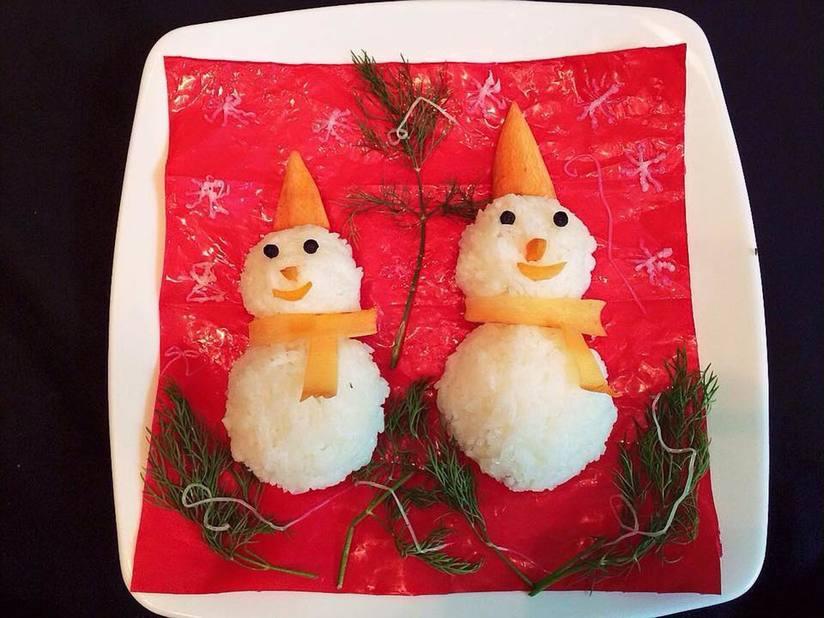 Mẹ khéo tay trang trí món ăn đầy màu sắc Giáng sinh khiến con thích mê5