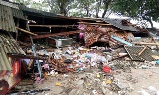 Chùm ảnh 'lạnh sống lưng' về thảm họa sóng thần chết chóc ở Indonesia