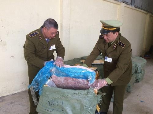 Tịch thu 1,5 tấn nầm lợn bốc mùi hôi, chuẩn bị thành đặc sản quán nhậu