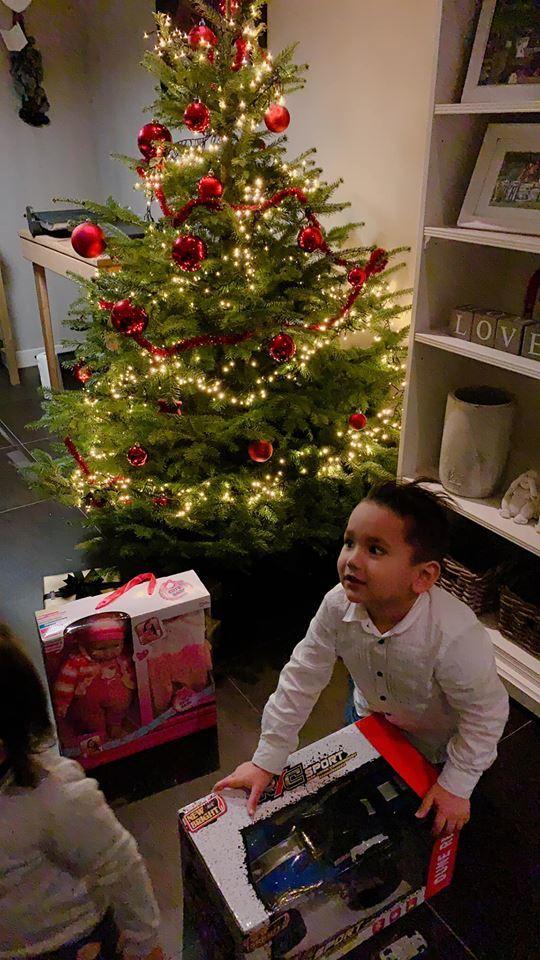 DJ Myno khoe khoảnh khắc cùng gia đình đón Noel tại Hà Lan4