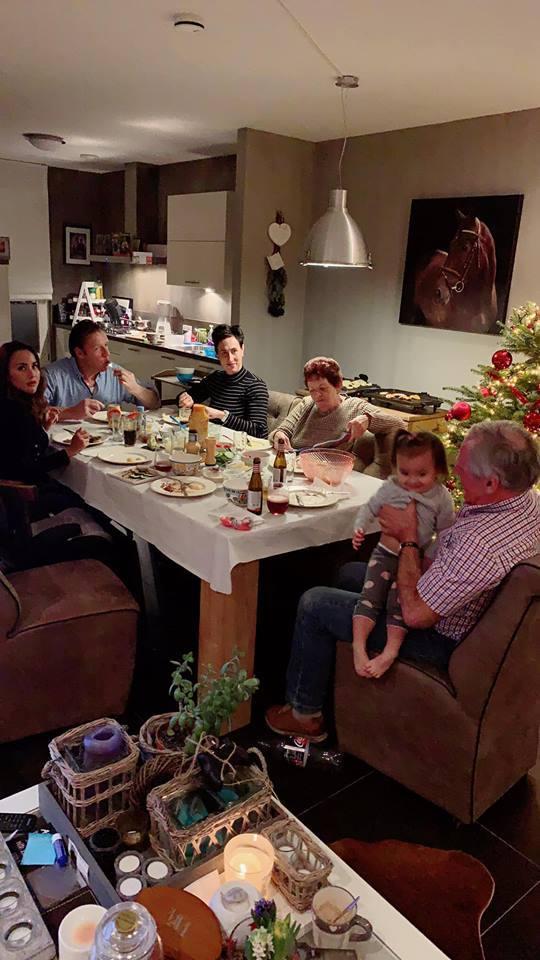 DJ Myno khoe khoảnh khắc cùng gia đình đón Noel tại Hà Lan2