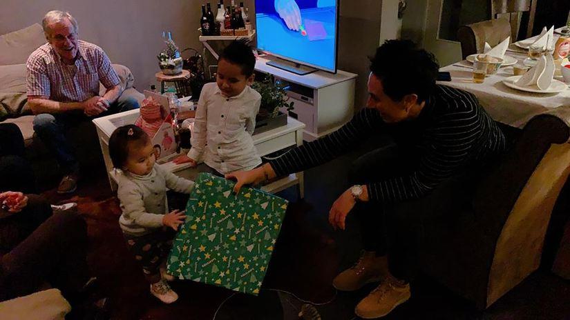 DJ Myno khoe khoảnh khắc cùng gia đình đón Noel tại Hà Lan3
