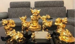 Đại gia 'săn' quà Tết: Chi trăm triệu đặt bộ heo vàng phong thuỷ cầu may