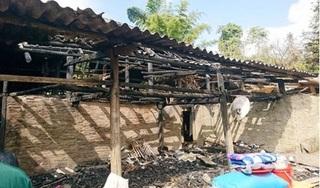 Lào Cai: Trẻ nhỏ đốt lửa sưởi ấm, nhà 3 gian bị thiêu rụi