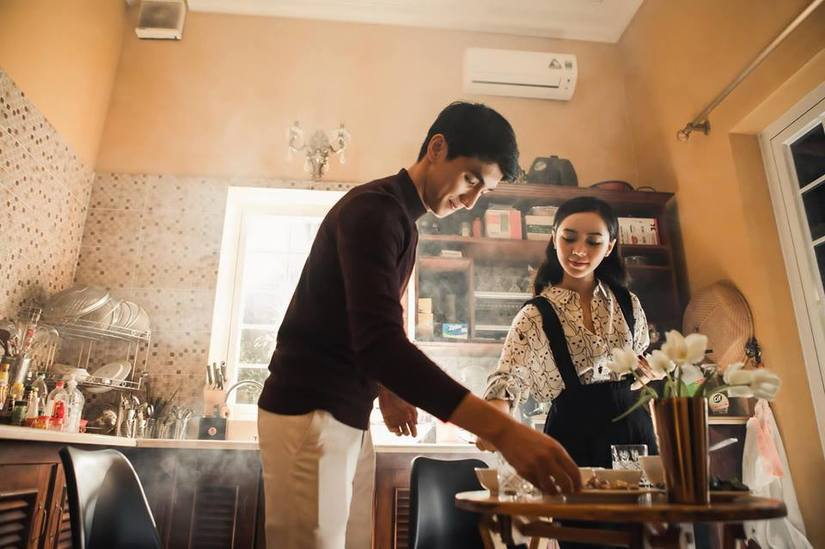 Diễn viên Quỳnh Kool tình tứ với trai lạ trong loạt ảnh mới7