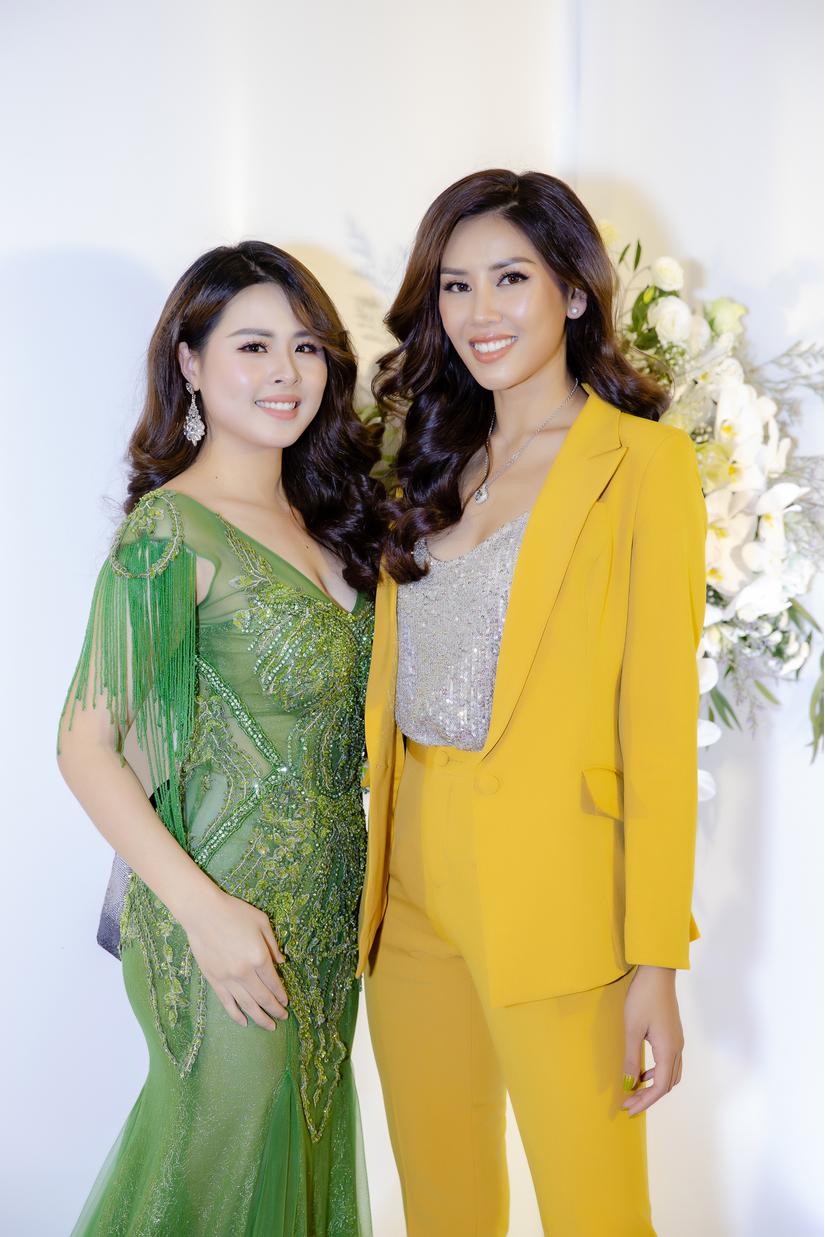 Nguyễn Thị Loan đọ sắc cùng Đỗ Mỹ Linh, Ngô Trà My