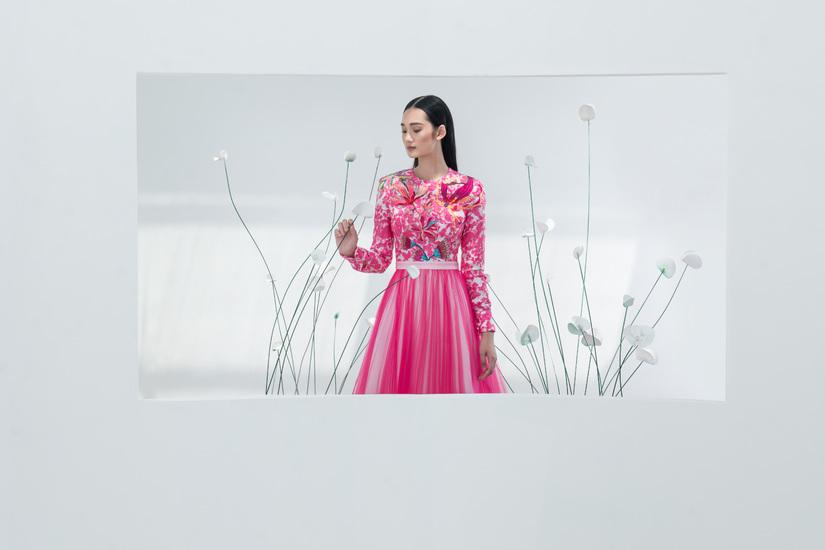 Á quân The Face Quỳnh Anh đẹp 'đốn tim' trong thiết kế của Công Trí