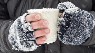 Những mẹo đơn giản sưởi ấm tay chân lạnh cóng trong mùa đông