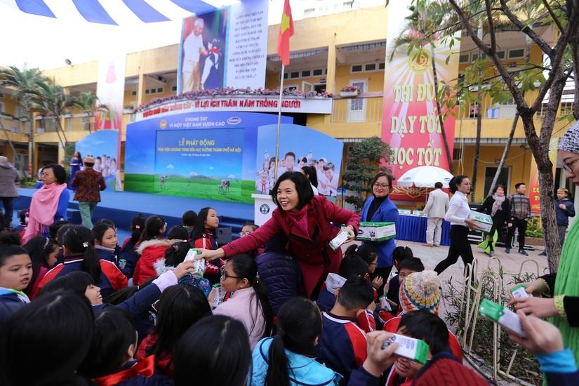 Chung tay vì 'ly sữa học đường' cho trẻ em thủ đô ngày hôm nay