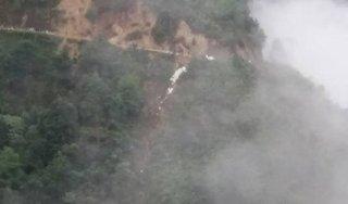 Hà Giang: Xe tải lao xuống vực sâu 100 m, phụ xe tử vong