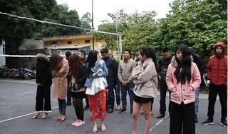 Bắt quả tang 16 thanh niên sử dụng ma túy trong quán karaoke