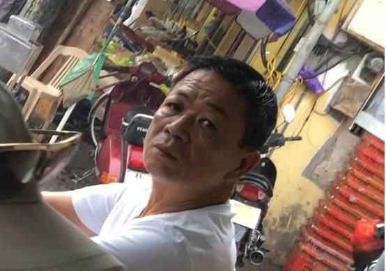 Hưng 'kính' trùm bảo kê chợ Long Biên