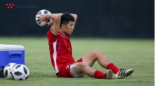 Trung vệ Trần Đình Trọng hoãn sang Hàn Quốc điều trị chấn thương