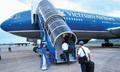 Thông tin về vụ 'xe biển xanh đón người nhà lãnh đạo ở cầu thang máy bay'