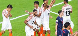 HLV Thái Lan nói gì khi đội nhà để thua tủi hổ trước Ấn Độ?