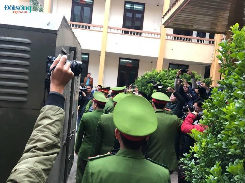 Hoãn phiên toà xét xử vụ chạy thận ở Hoà Bình vì Hoàng Công Lương vắng mặt2