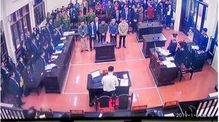 Bị cáo Hoàng Công Lương vắng mặt, phiên toà hoãn đến ngày 14/1
