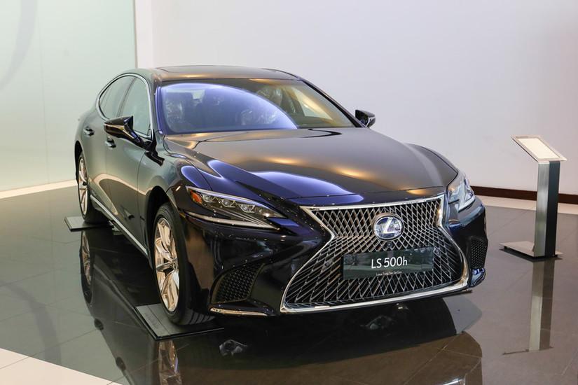 Lexus LS 2019 giá gần 9 tỷ đồng được trang bị công nghệ đặc biệt gì
