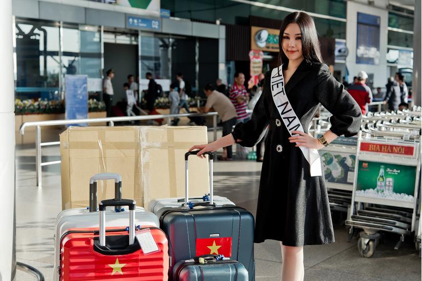 Ngân Anh lên đường tham dự Miss Intercontinental 2018