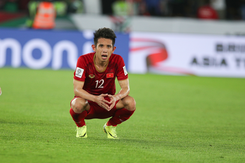 Tiền vệ Hồng Duy gây thất vọng trận gặp Iraq