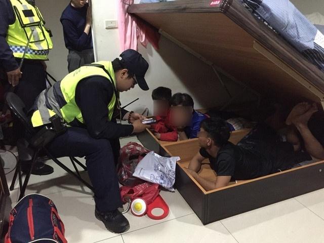 Đài Loan tích cực tìm 81 người còn lại trong 152 du khách Việt nghi bỏ trốn