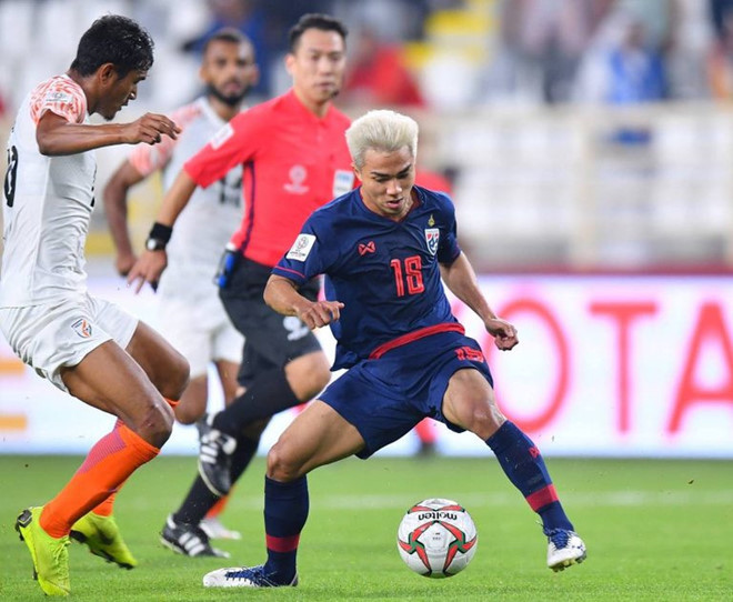 Đội tuyển Thái Lan có chiến thắng đầu tiên tại Asian Cup 2019