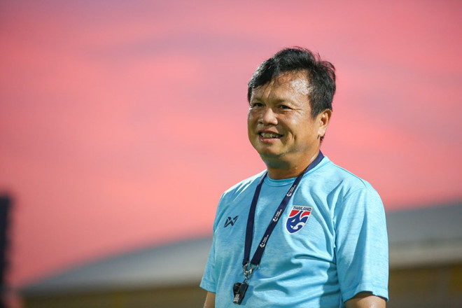 HLV tạm quyền Thái Lan cũng không dám tin vào trận thắng lịch sử trước Bahrain