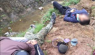 Nam Định: Lái xe đâm trúng cột mốc ven đường, hai thanh niên thương vong
