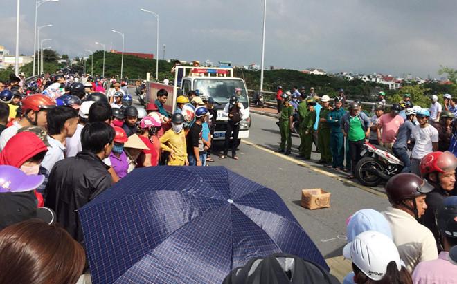 Nữ sinh Đà Nẵng chết thương tâm dưới bánh xe tải khi đi học về