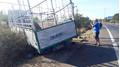 Xe tải gãy trục lao vào lề đường tông 3 chị em gái tử vong thương tâm