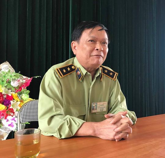 Ông Nguyễn Mạnh Hùng, Đội trưởng Đội QLTT số 8 cho biết đã triệu tập 3 cán bộ liên quan đến vụ phạt tiền thầy lang