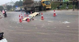 Phú Thọ: Va chạm với xe đầu kéo, 2 người phụ nữ tử vong
