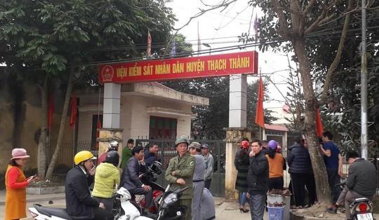 Thanh Hoá: Viện phó VKS huyện chết trong tư thế treo cổ tại cơ quan để laị lá thư ngắn