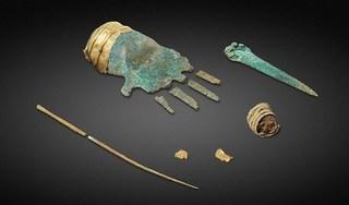 Thụy Sĩ: Tìm thấy bàn tay kim loại 3.500 năm tuổi trong mộ cổ