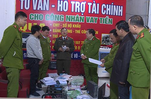 Bắc Ninh: Khởi tố giám đốc cùng đàn em chuyên cho vay nặng lãi