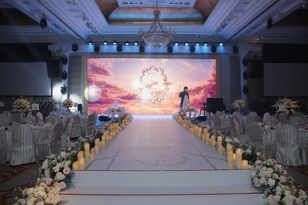 Dàn sao Việt 'đổ bộ' chúc mừng đám cưới Lê Hiếu