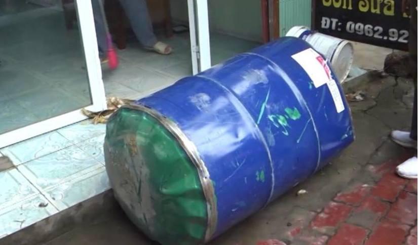 Yên Bái: Nổ thùng phuy đựng xăng, 2 người bị thương nặng