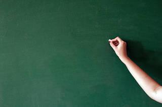 Nữ giáo viên Mỹ bị bắt vì dùng chất kích thích, quan hệ với nam sinh