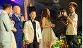 Nam ca sĩ hai lần hát trong đám cưới