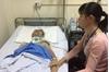 Hà Nam: Nhói lòng cảnh người mẹ khánh kiệt chăm 2 con sinh đôi nguy kịch