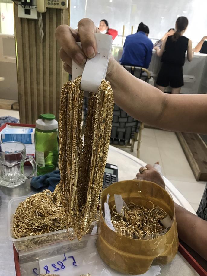 Quảng Nam: Tìm chủ nhân 230 lượng vàng