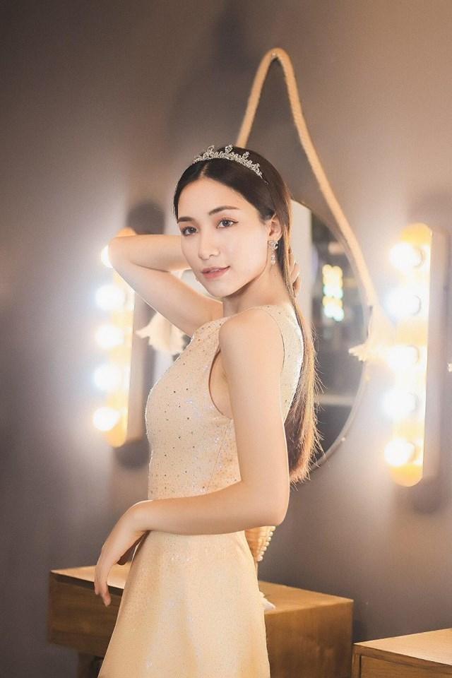 Hòa Minzy - Thánh vạ miệng của showbiz Việt