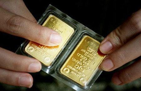 Lai Châu: Đánh tráo vàng thật thành vàng giả lừa tiền người phụ nữ
