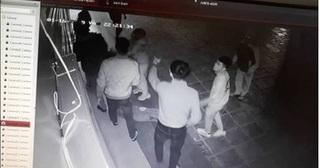 Đã xác định được nhóm người hành hung cô gái ở chung cư Linh Đàm