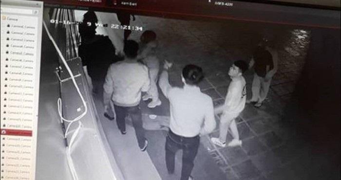 Cô gái trẻ bị nhóm thanh niên hành hung ở chung cư Linh Đàm