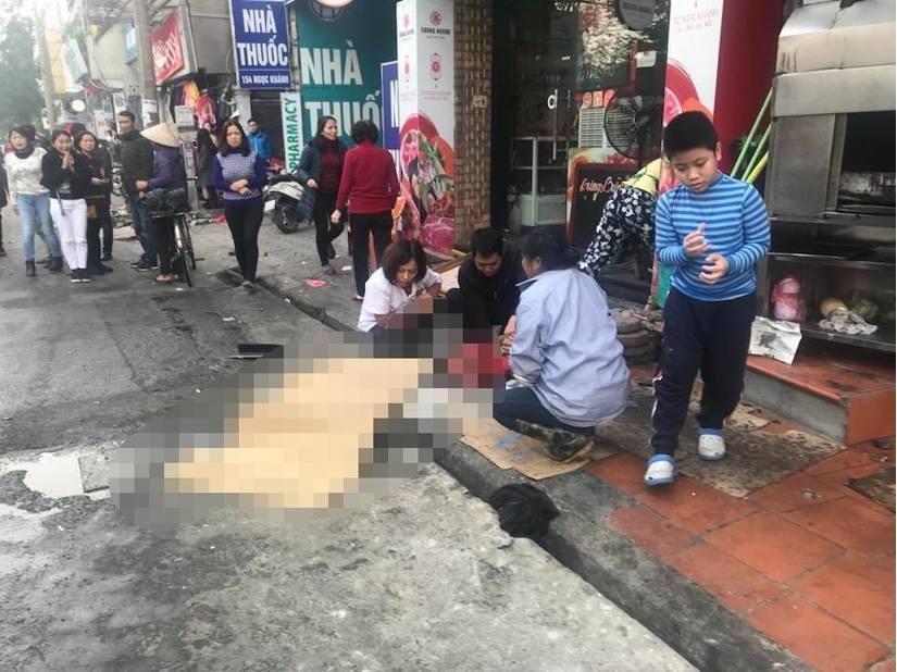Ô tô gây tai nạn liên hoàn ở phố Ngọc Khánh khiến cụ bà tử vong
