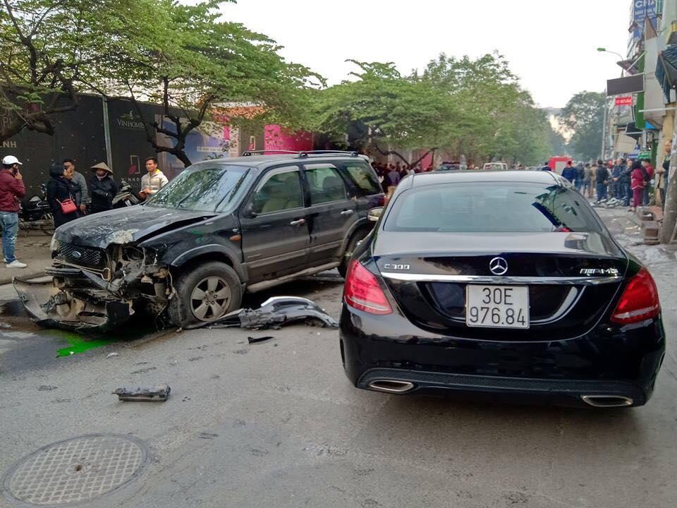 Sau khi xảy ra tai nạn tài xế xuống xe xin lỗi từng nạn nhân
